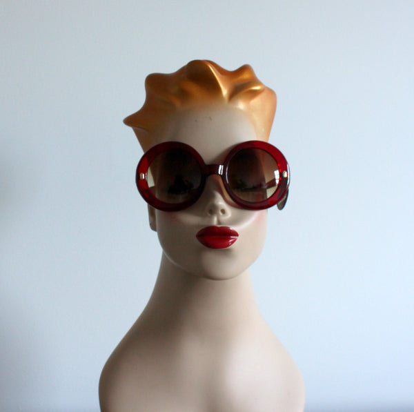 'Modly in Love' vintage style sunglasses red