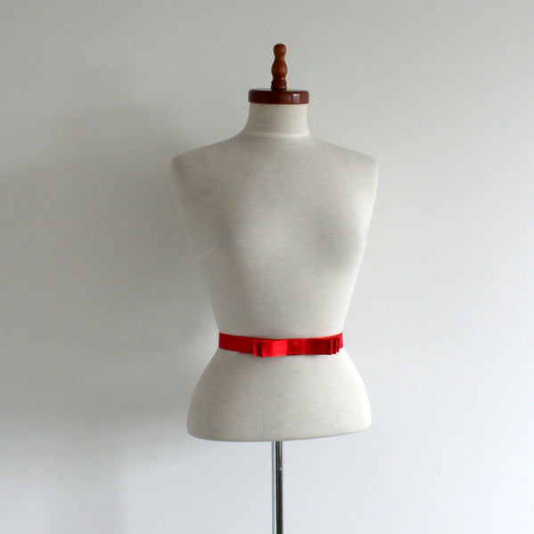 1950's style narrow bow belt