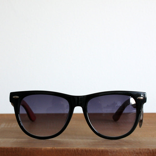 'Winsome wayfarers' timber vintage style sunglasses glossy black