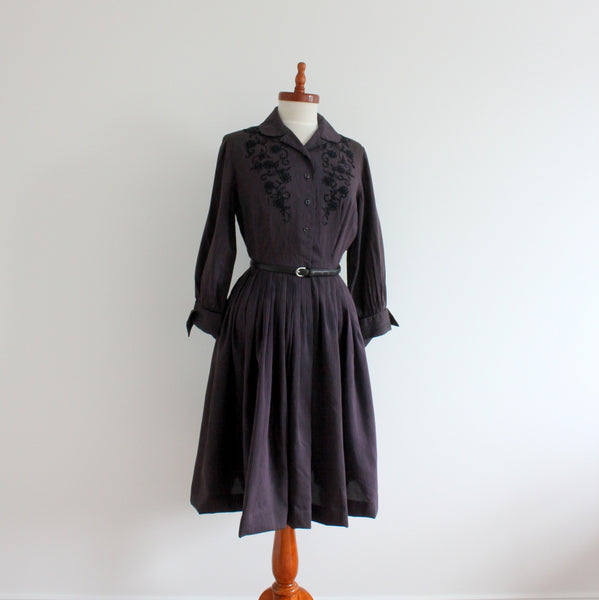 Vintage 1950's shirtwaist dress front