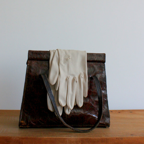 Vintage 1960's embroidered gauntlet gloves
