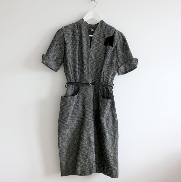 Vintage 1960's fitted pocket dress