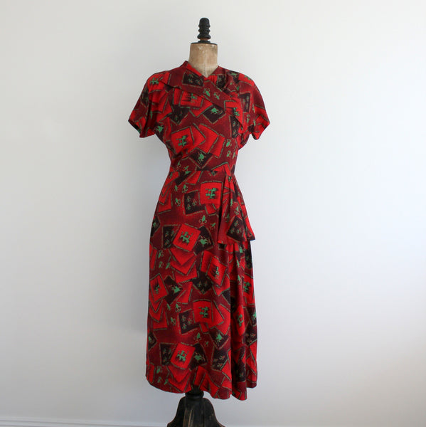 Vintage 1940's short sleeve dress front