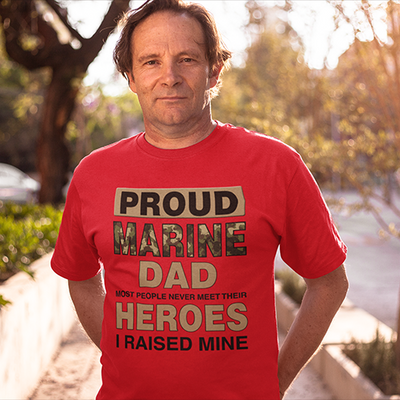 Proud Marine Dad - T-Shirt