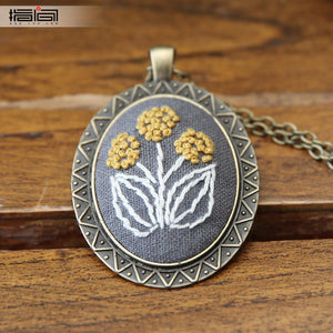 spread Finger embroidery diy handmade necklace female adult beginner material package