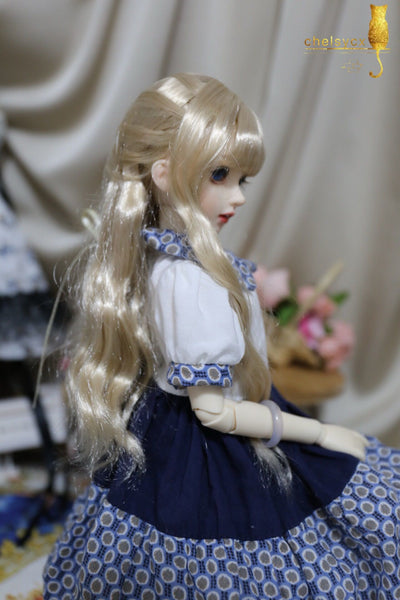 Bjd 1/4, 1/6, 1/3, msd doll clothes dress Sen retro stitching dress
