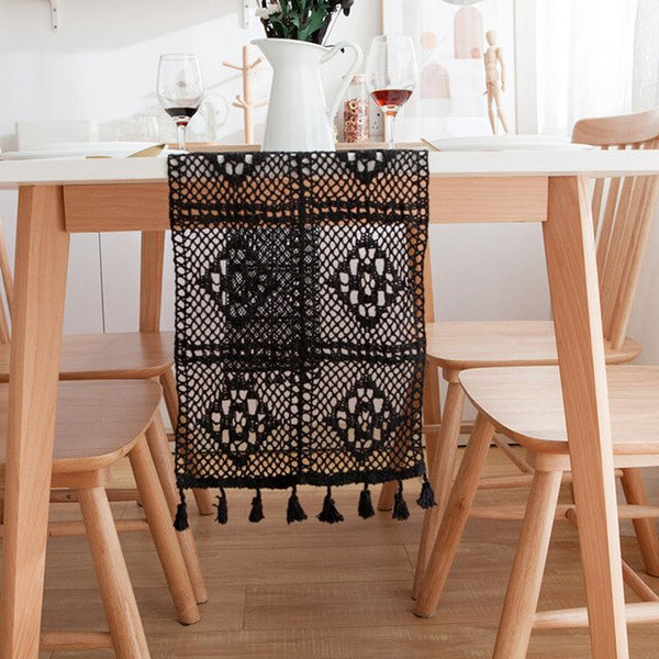 Retro Black Table Runner Hand-crocheted Lace Hollow Table Runner Polyester Cotton