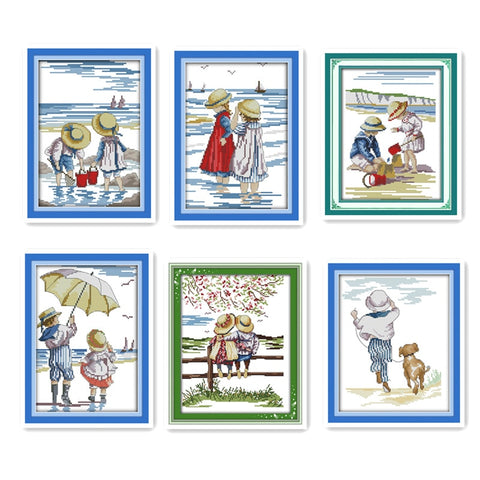 Little boy girl playing on the beach watching the scenery Happy childhood 11CT cross stitch printing children miniature pattern
