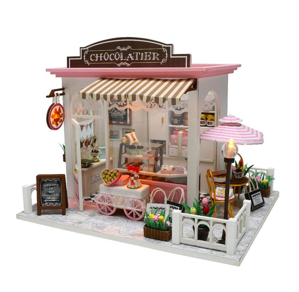 Dollhouse With Furnitures Wooden