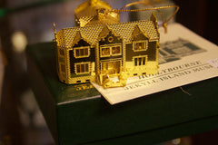 Hollybourne Cottage Ornament