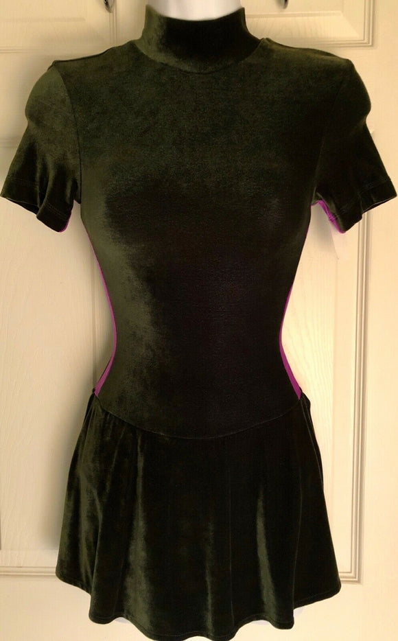 GK ICE FIGURE SKATE DRESS ADULT SMALL SS GREEN VELVET TURTLENECK AS NWT!  - Outlet Values