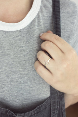 Asymmetric Open Bar Ring