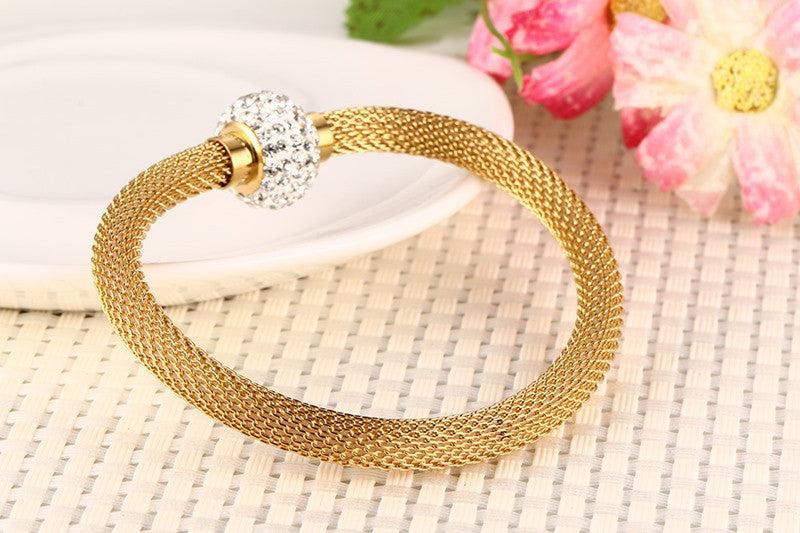 Elegant Swiss Crystals Mesh Bracelet with Magnetic Clip