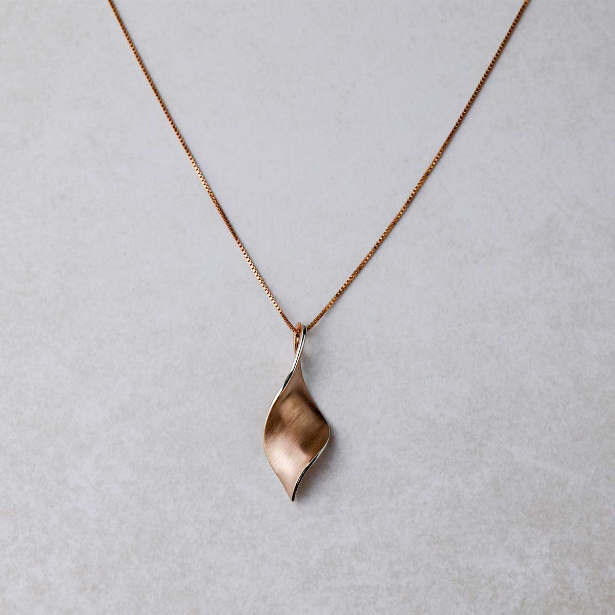 18ct Rose Gold Vermeil Twist Pendant