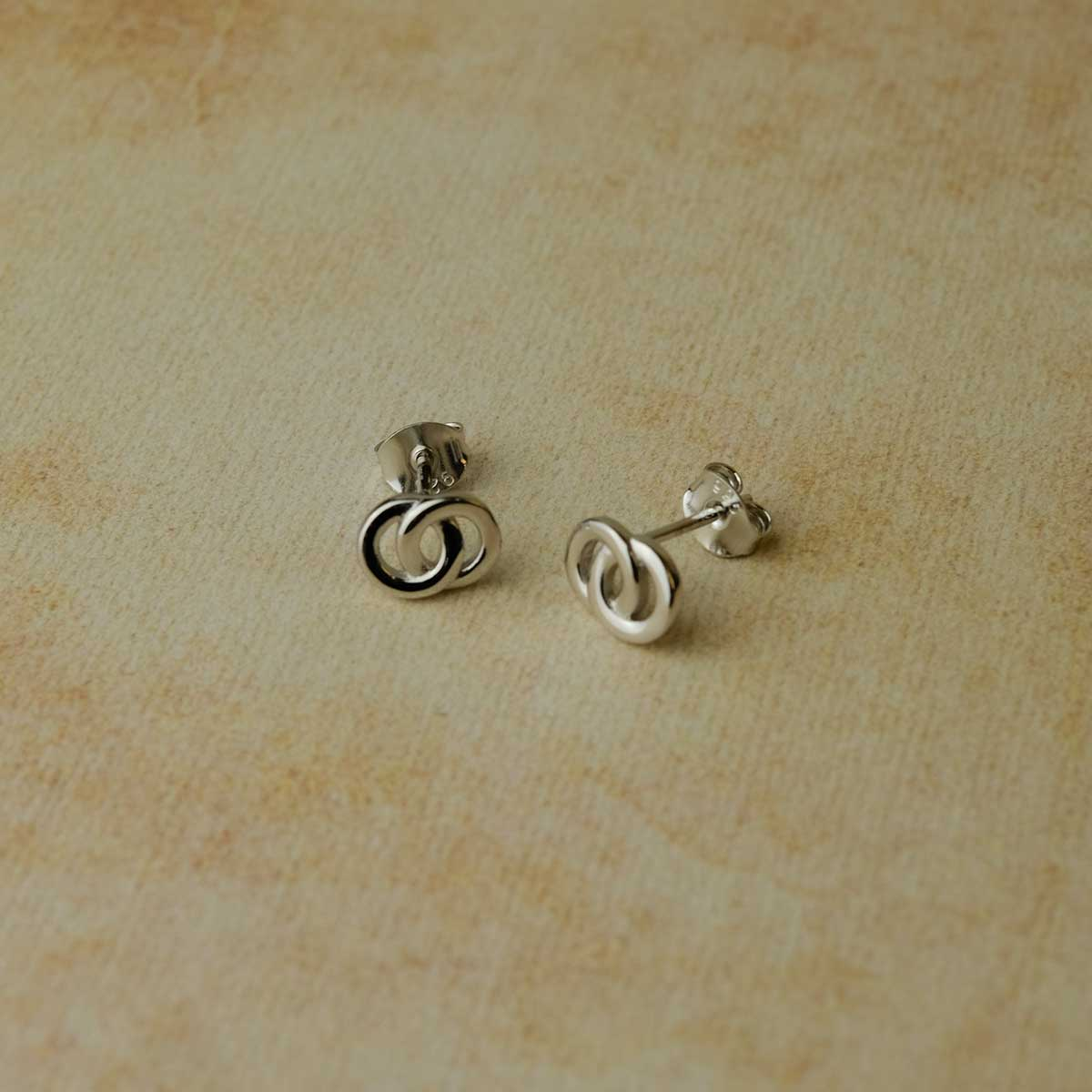 Interlocking Circles Stud Earrings