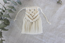 Load image into Gallery viewer, Grooms Macrame Boutonniere Wrap