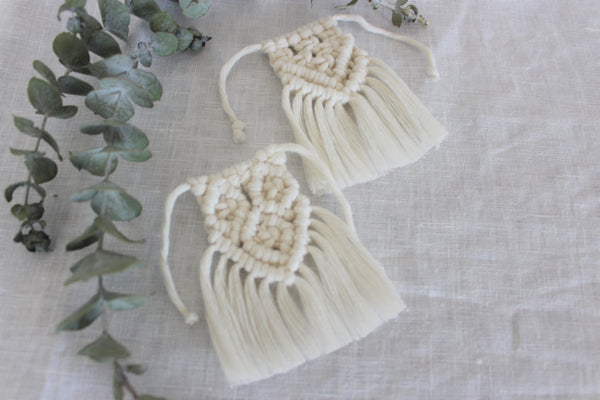 Grooms Macrame Boutonniere Wrap