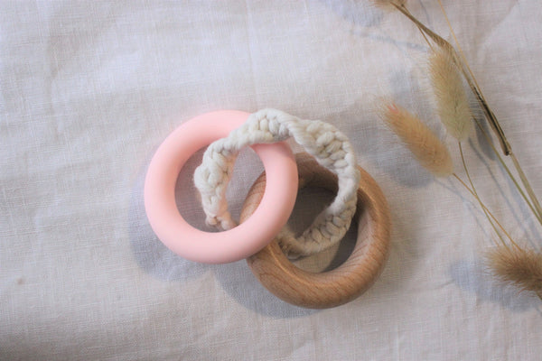Sweet Pea Teether - 'Baby Pink'