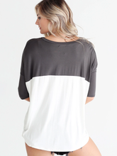 Load image into Gallery viewer, Ivory Dlmn Color Block Pocket Tee