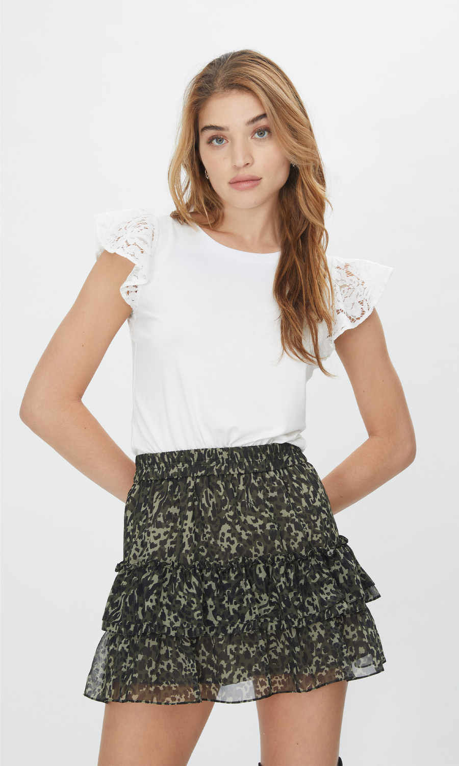 Prim Lace Ruffle Top