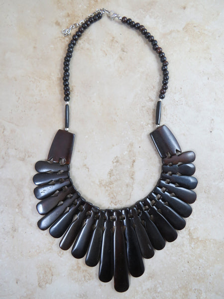 Gaited Collar Necklace