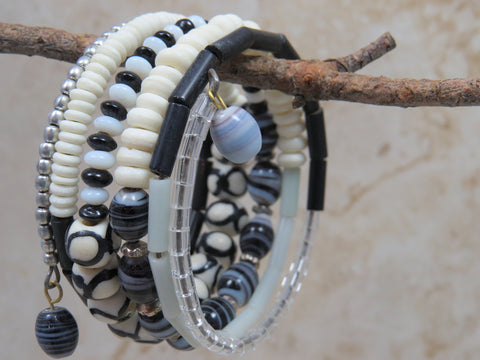 Dhoma Beaded Bangle - Black & White
