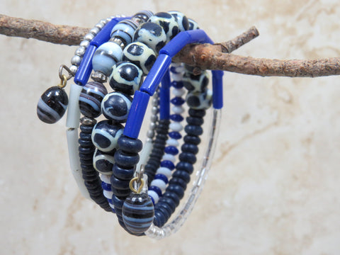 Dhoma Beaded Bangle - Black & Blue
