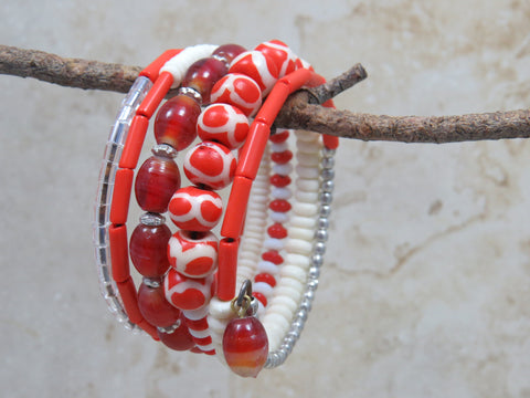 Dhoma Beaded Bangle - Red & White