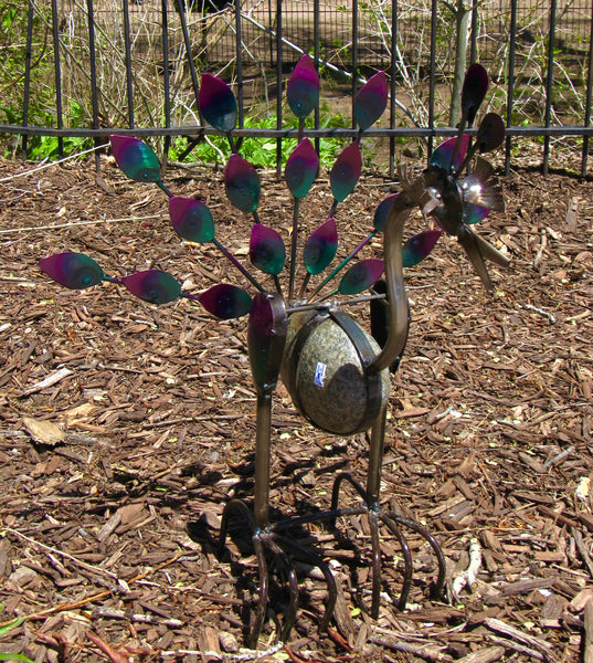 Metal Rock Rocking Peacock Yard Garden Ornament MTPCS004
