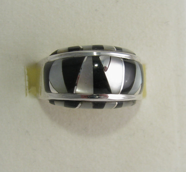 Black onyx and Mother Pearl Ring Sterling Silver   size 6.75