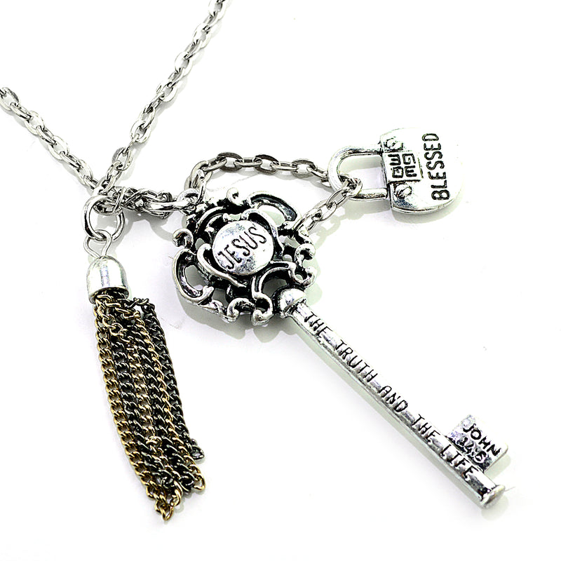 FAVORED NECKLACE