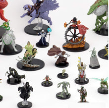 Load image into Gallery viewer, Wizkids D&D Icons of The Realms: Guildmasters' Guide to Ravnica Eight Ct. Booster