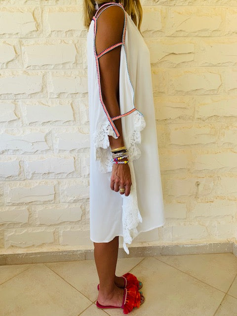 White Lacey Shoulder Trim Kaftan