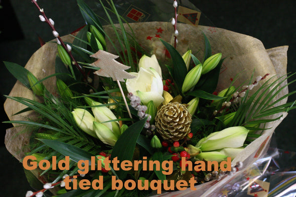 Handtied Flowers: Just pop them in a vase!