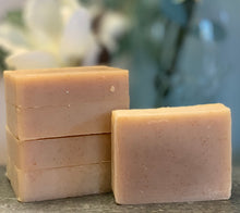 Load image into Gallery viewer, Eczema Honey Goats Milk Soap