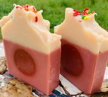 Load image into Gallery viewer, Caramel Apple Goats Milk Soap