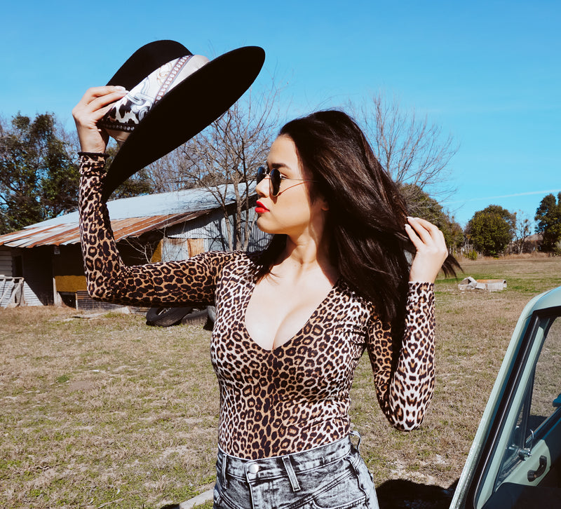 Must-Have Leopard Long sleeve Bodysuit