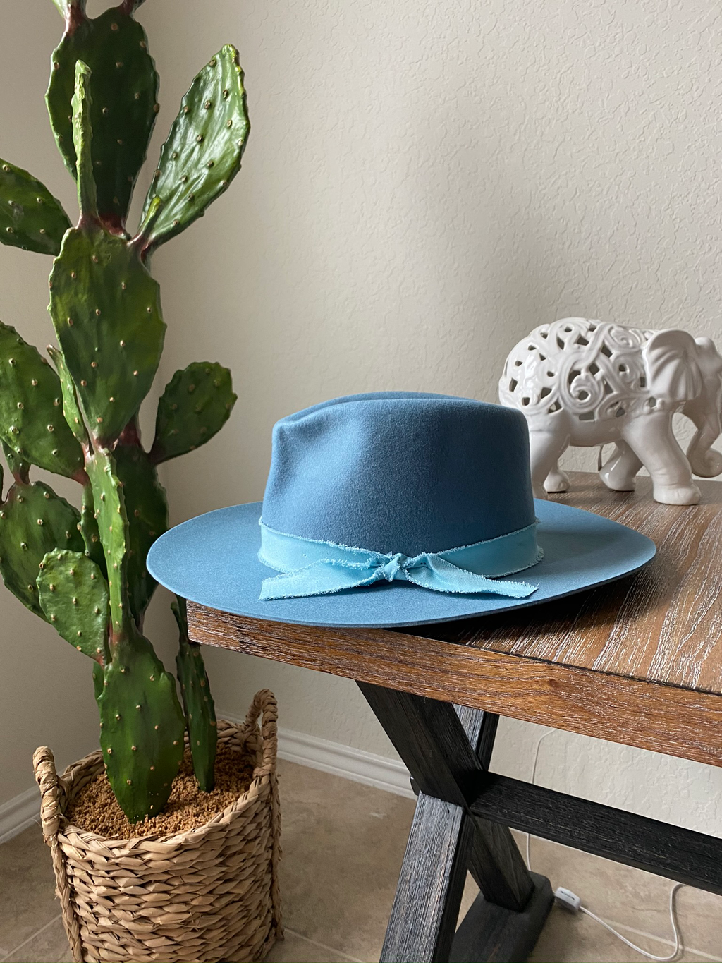Baby Blues- Whool Brim Hat