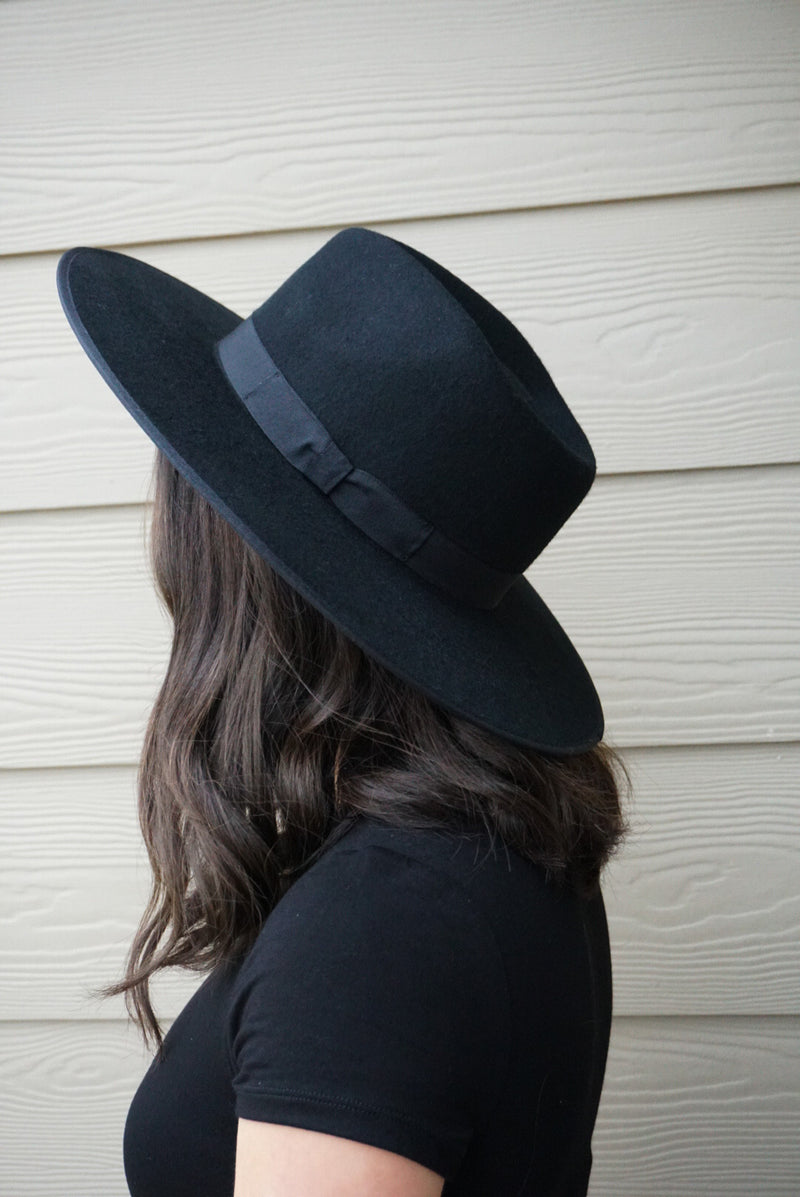 Black - Flat Brim Whool Hat