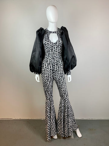 Bell-bottom jumpsuit with puffy sleeves