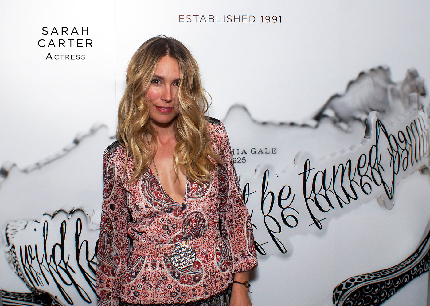 Sarah Carter fashion style