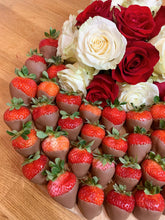 Load image into Gallery viewer, edible gift platter, miami platters, flower arrangement, fruit arrangement, edible arrangement