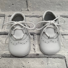 Load image into Gallery viewer, White Soft Leather Pram Shoes