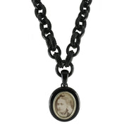 VICTORIAN MULTI GRADUATED WHITBY JET  LINK NECKLACE AND CARVED FRAME PENDANT NUNQ0000952