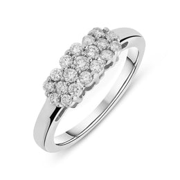 00157885 W Hamond 18ct White Gold 0.38ct Diamond Cluster Ring, 361.