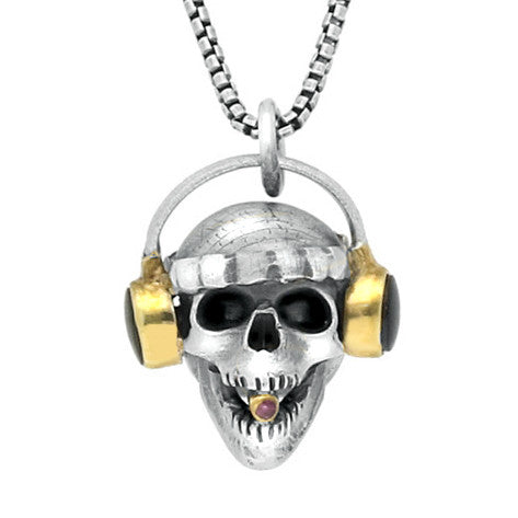 00124212 W Hamond Sterling Silver Whitby Jet Ruby Skull With Headphones Necklace. PUNQ0004525