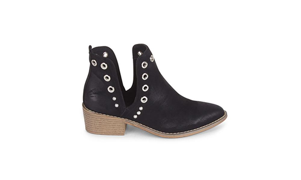 Wanted Rivet Bootie F336B