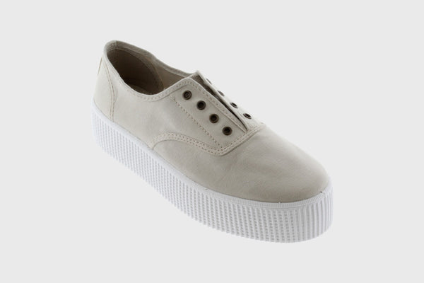 100% organic cotton grown in Spain, enjoy your Summer in these canvas, platform sneakers. In New Orleans at Shoe Be Do.