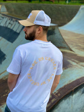Load image into Gallery viewer, WHITE / BEIGE TSHIRT