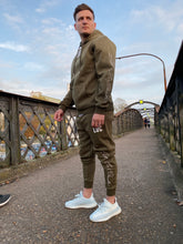 Load image into Gallery viewer, KHAKI HOODIE